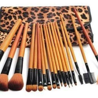 Professional 18 Piece Luxurious Nat..