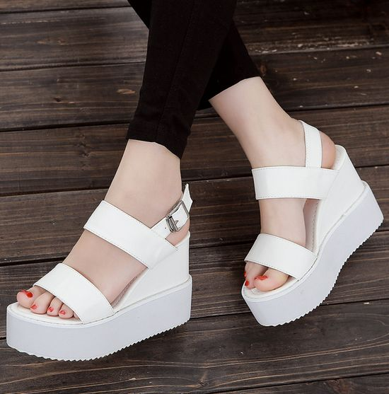 Cute And Comfortable Peep Toe Sandals In White