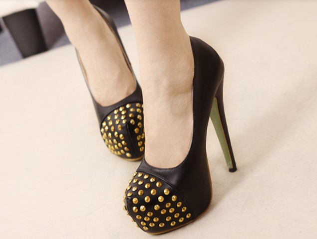 Black Studded High Heels Fashion Pumps