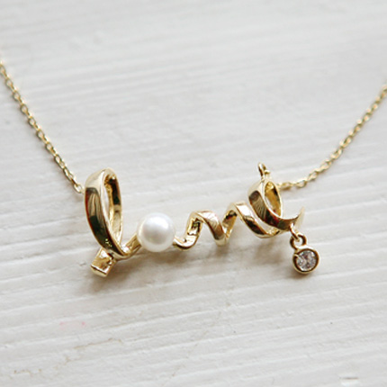 Golden LOVE Letters Pattern Necklace