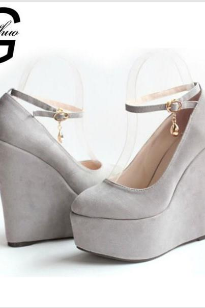 Rounded-Toe Wedge Platforms with Ankle Strap