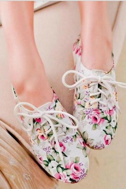 Gorgeous Floral Lace Up Shoes