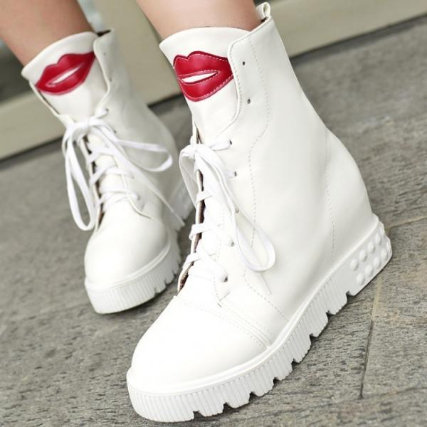 Cute Red Lip Low Heel Boots